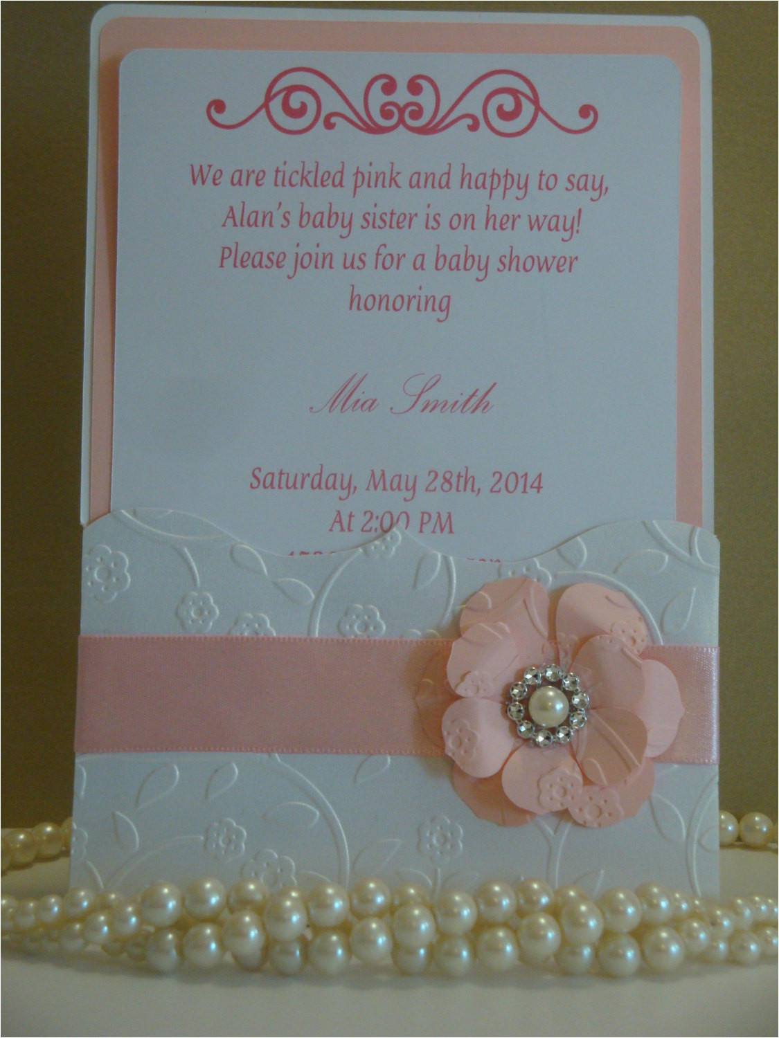 babyshower invitation embossed
