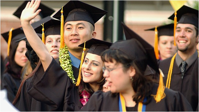 grad fair and deadlines to apply for commencement approaching