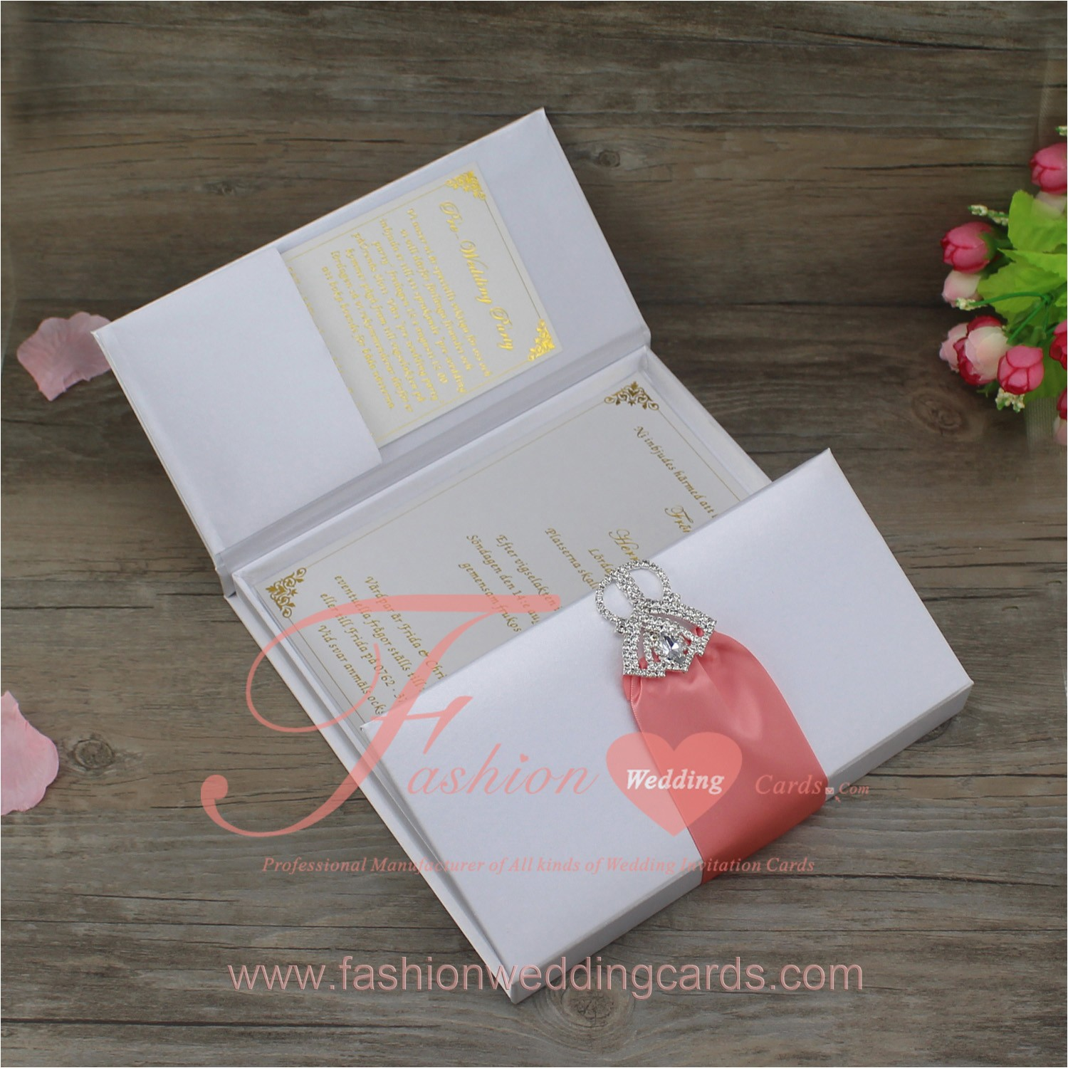 white 20silk 20box 20invitation